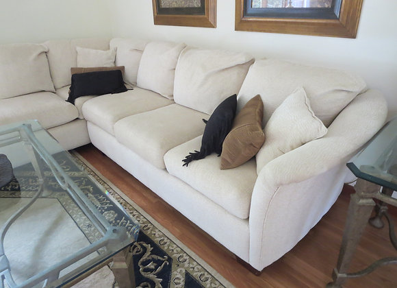 2 pc Sectional w/ Pillows
