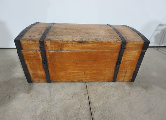 Wood & Metal Treasure Chest Trunk