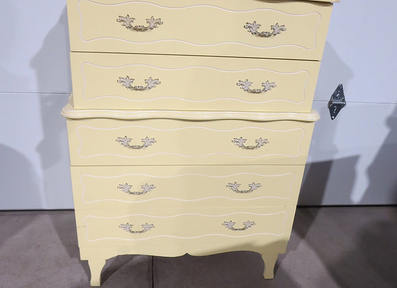 Vintage Child Craft Yellow French Provincial 5 Drawer Chest / Dresser