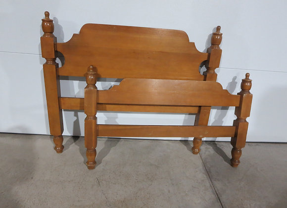 Maple Twin Bed w/ Rails