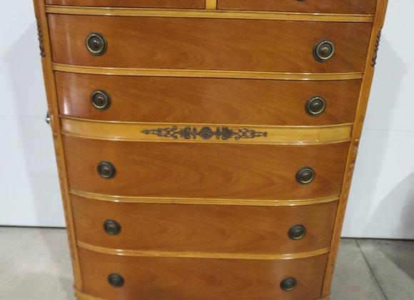 Vintage 7 Drawer Chest / Dresser