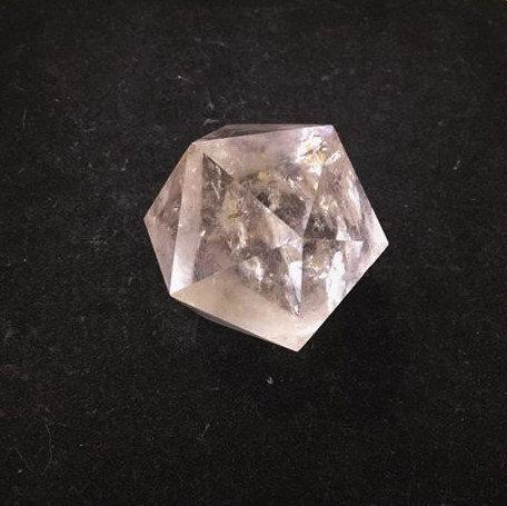 Isocaèdre en quartz du Brésil