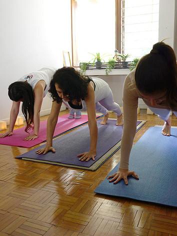 Clases personalizadas de yoga y consulta de sicología