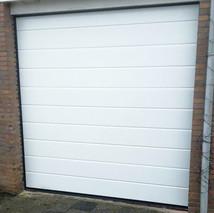 6a. witte garagedeuren.jpg