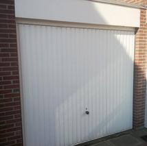 4a. Openslaande kunststof garagedeuren -
