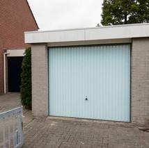 8a. garagedeur voor.jpg