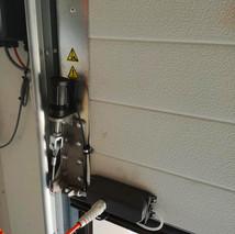 5 elektrische garagedeuren loodsen - MTM