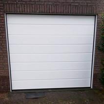 7a. witte garagedeuren.jpg