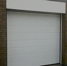 5a. witte garagedeuren.jpg