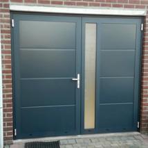 2. Openslaande kunststof garagedeuren -