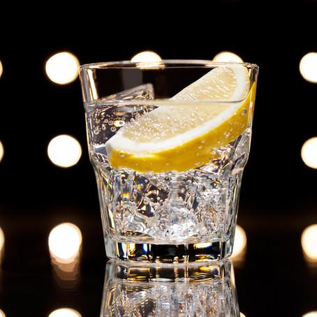 5 Gründe, den Tag mit einem Glas Wasser zu beginnen
