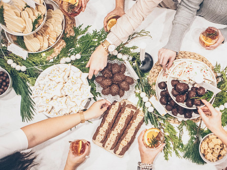 How to Host a Holiday Cookie Exchange