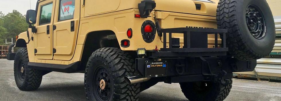 HUMVEE Hummer.jpg