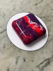 Mirror glaze cake