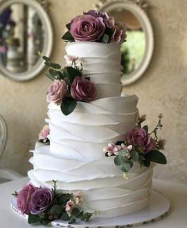 weddingflowerscake.jpg
