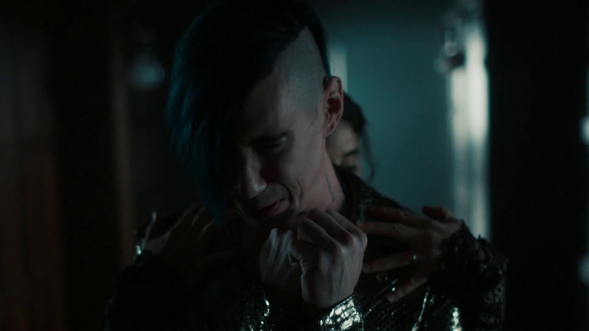 """Marianas Trench - """"GLIMMER"""""""