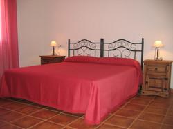 Double Bedroom/ Dormitorio