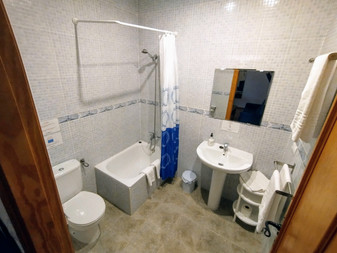Baño dos dormitorios