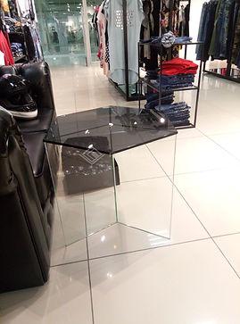 Стеклянные столы, стеклянные столешницы, столешницы из стекла, закаленное стекло