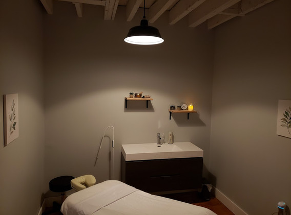 Room One Acupuncture and Massage
