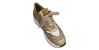 Sneaker gold1_Gespiegelt.jpg