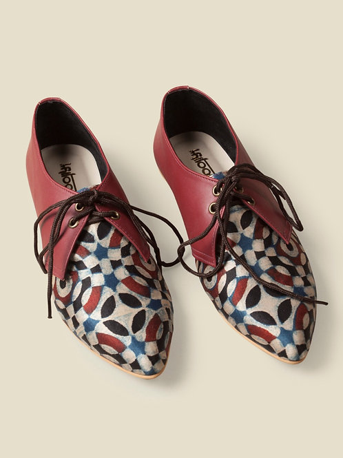Rosemary Printed tie-up shoes
