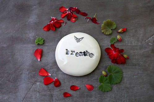 Breathe ceramic magnet