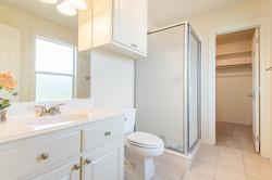 12 - Extra Bathroom-8402 (1280x853)