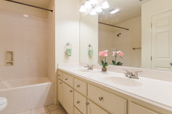 12 - Extra Bathroom-8407 (1280x853)