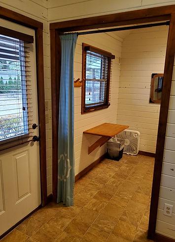 Cabin 3 pic 4.jpg