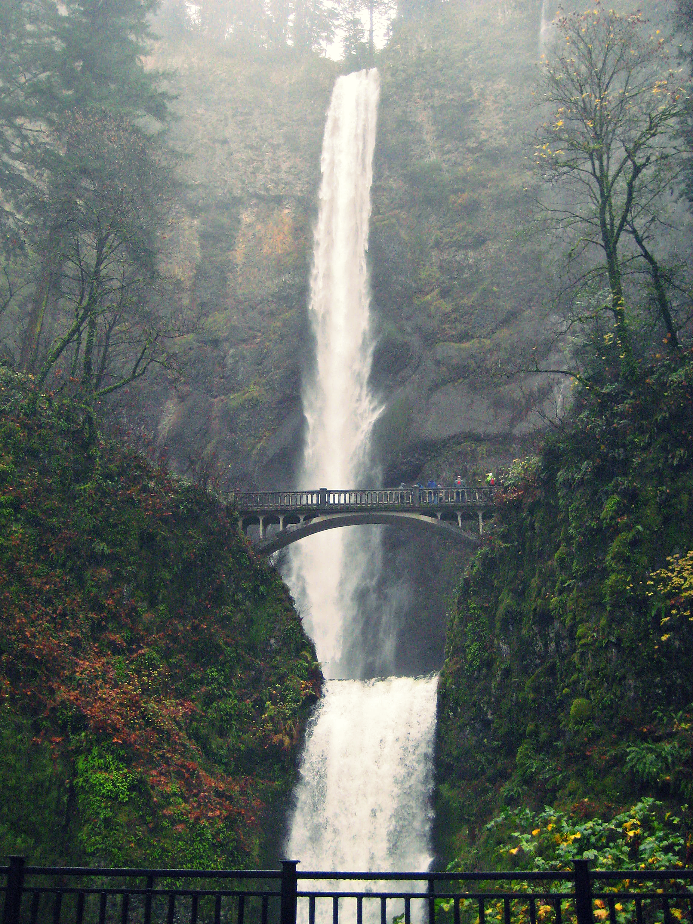 | MULTNOMAH FALLS, OR |