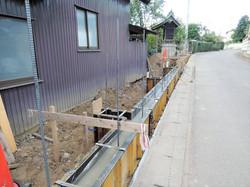 新設塀基礎