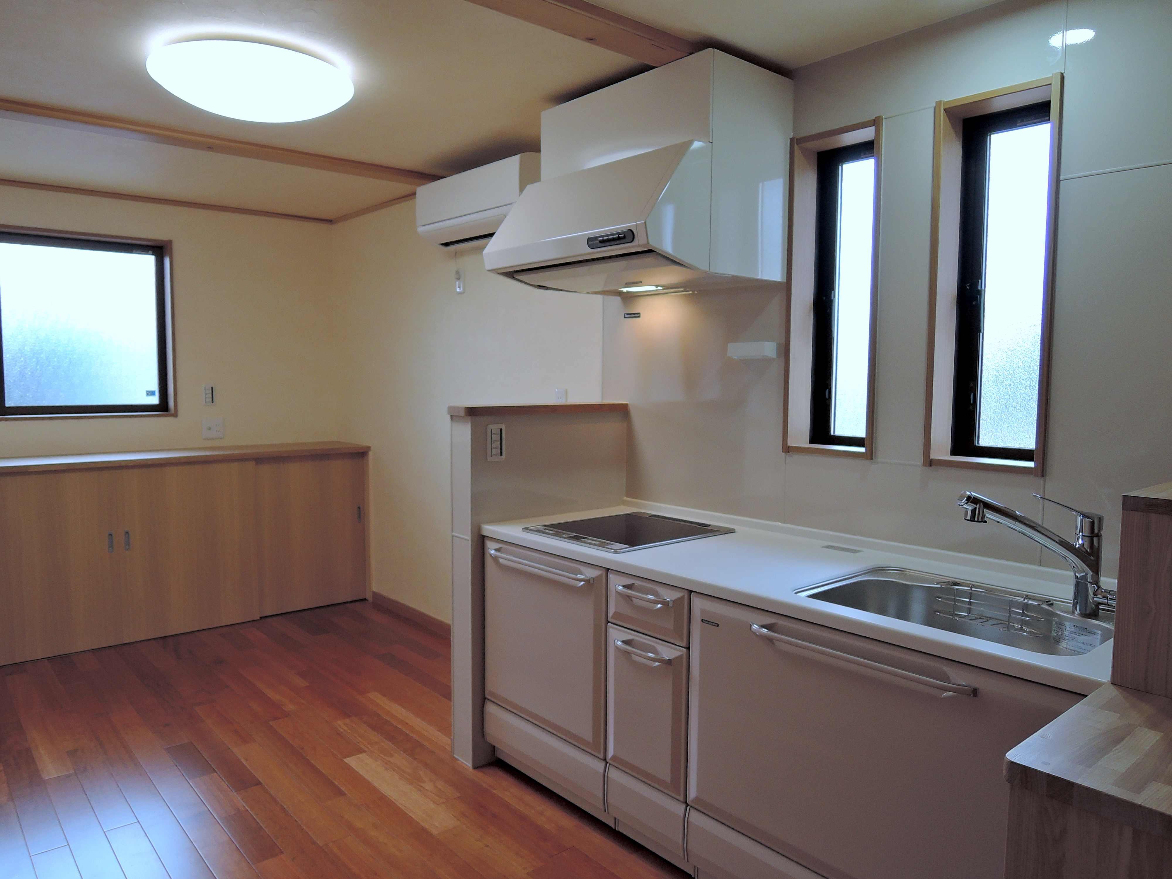 キッチン~収納スペース