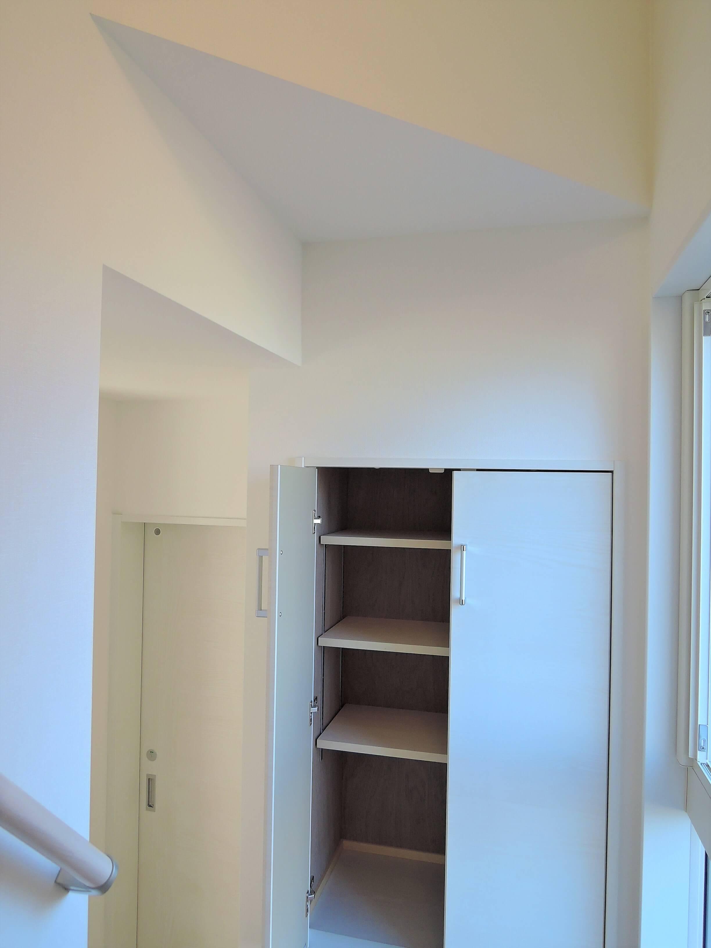 階段の収納