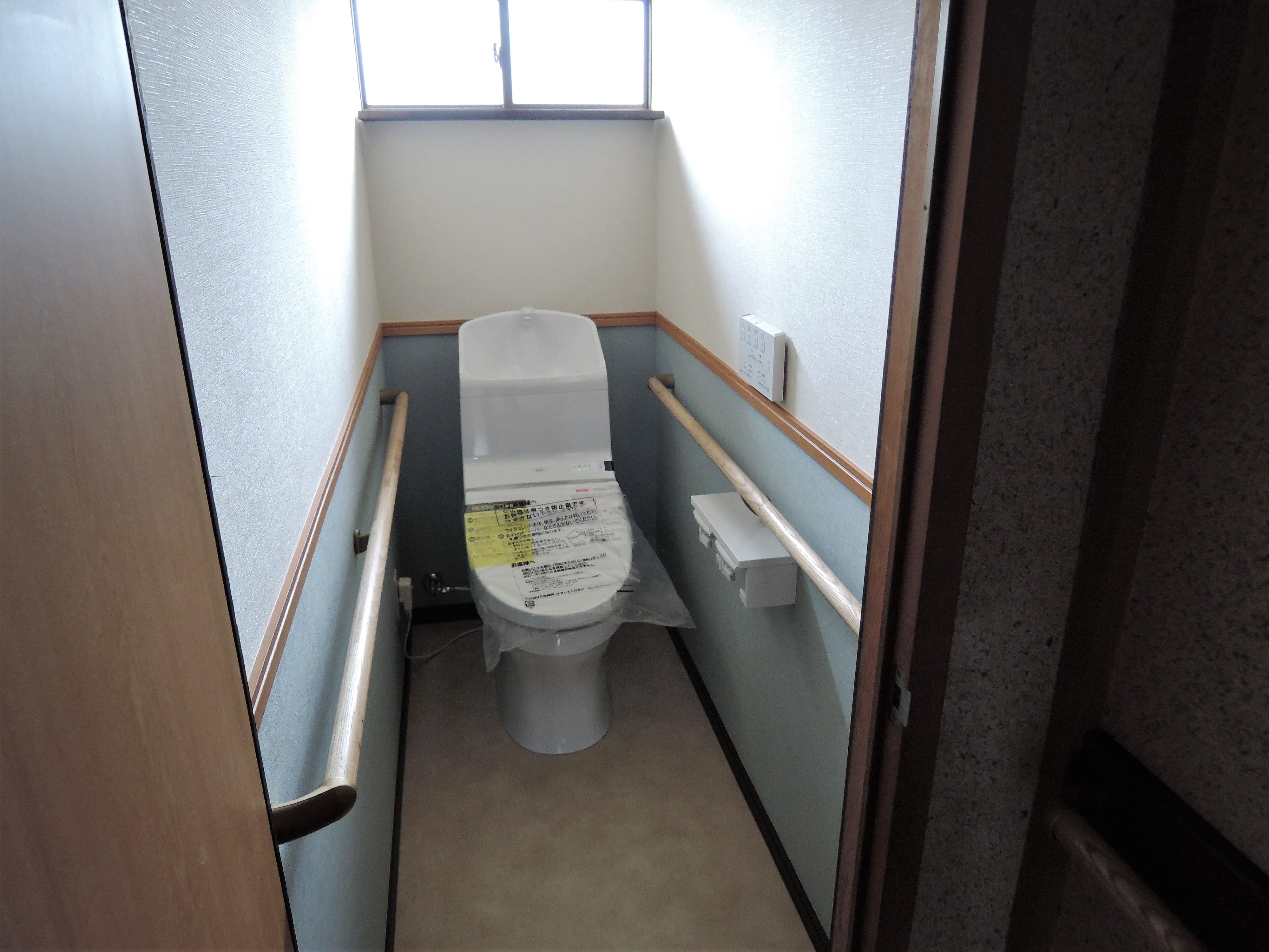 トイレは明るく