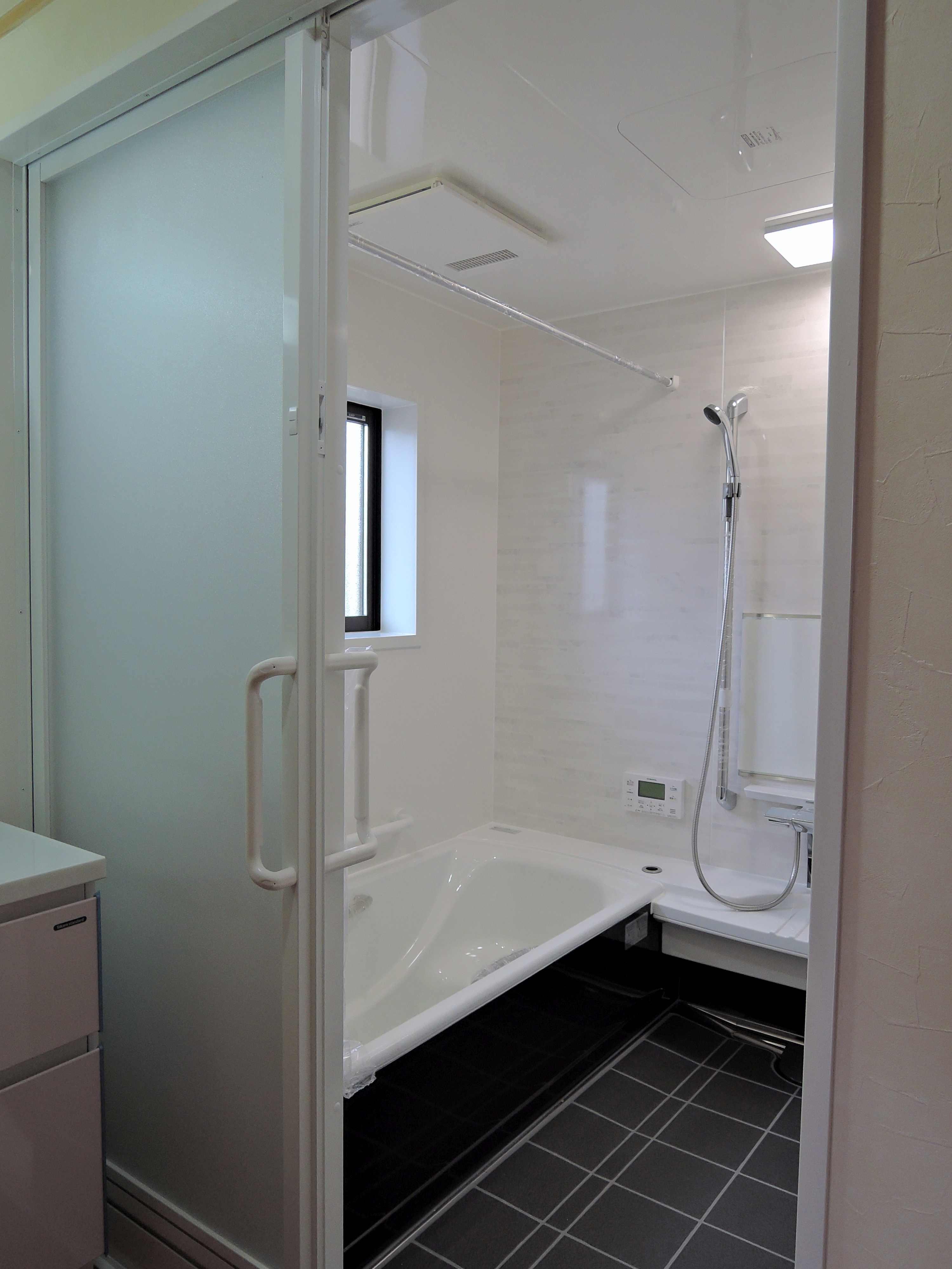 新しい浴室