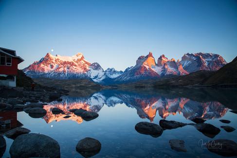Lago Pehoe by Jo McCarthy