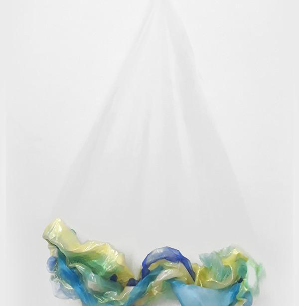 Casulo 4, 2019. Tules. 85 x 64 x 25 cm