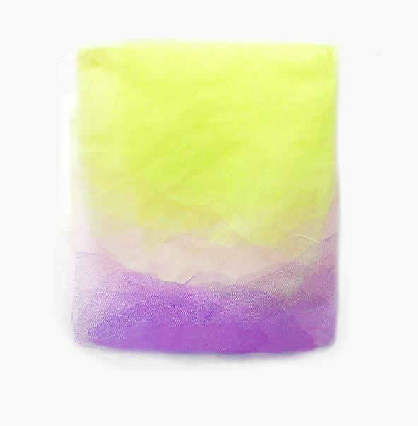 Amarela Roxa, 2019. Tules. 23 x 23 cm