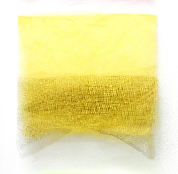 Bandeira Amarela, 2017. Sobreposição de tules. 32 x 32 cm