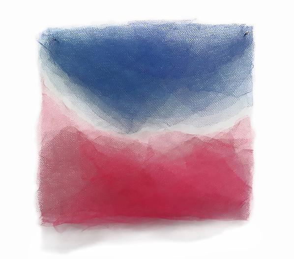 Saudade, 2017. Tules. 6 x 24 x 24 cm