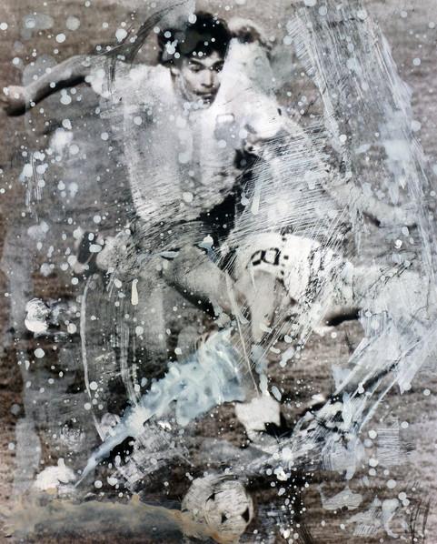 Maradona  Ink dissolution and pigments 2018