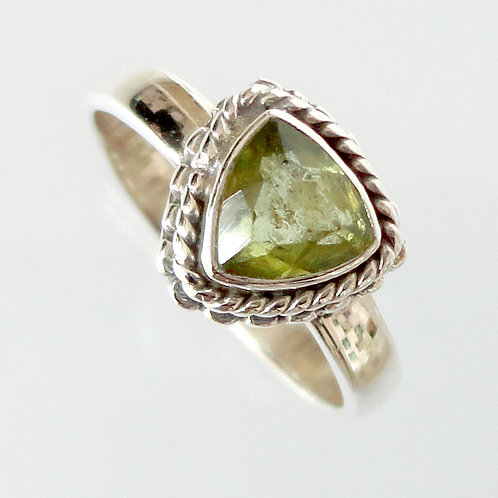 2147 Triangle Green Ring