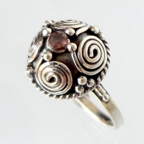2132 Vintage Design Ring