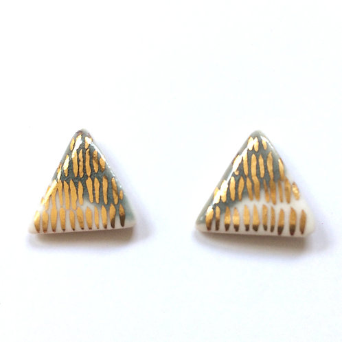 Triangle Studs -  real gold lustre N0 6