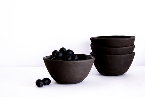 SINGLE NUDE BLACK BOWL