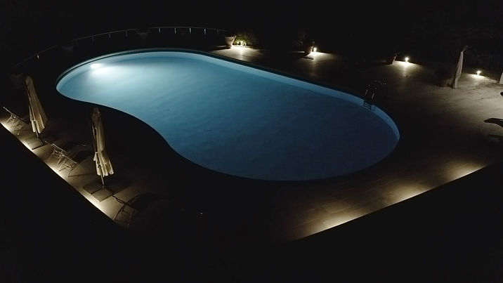 piscina_night_4.jpg