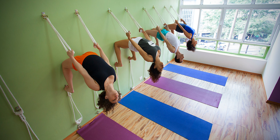 Yoga com cordas