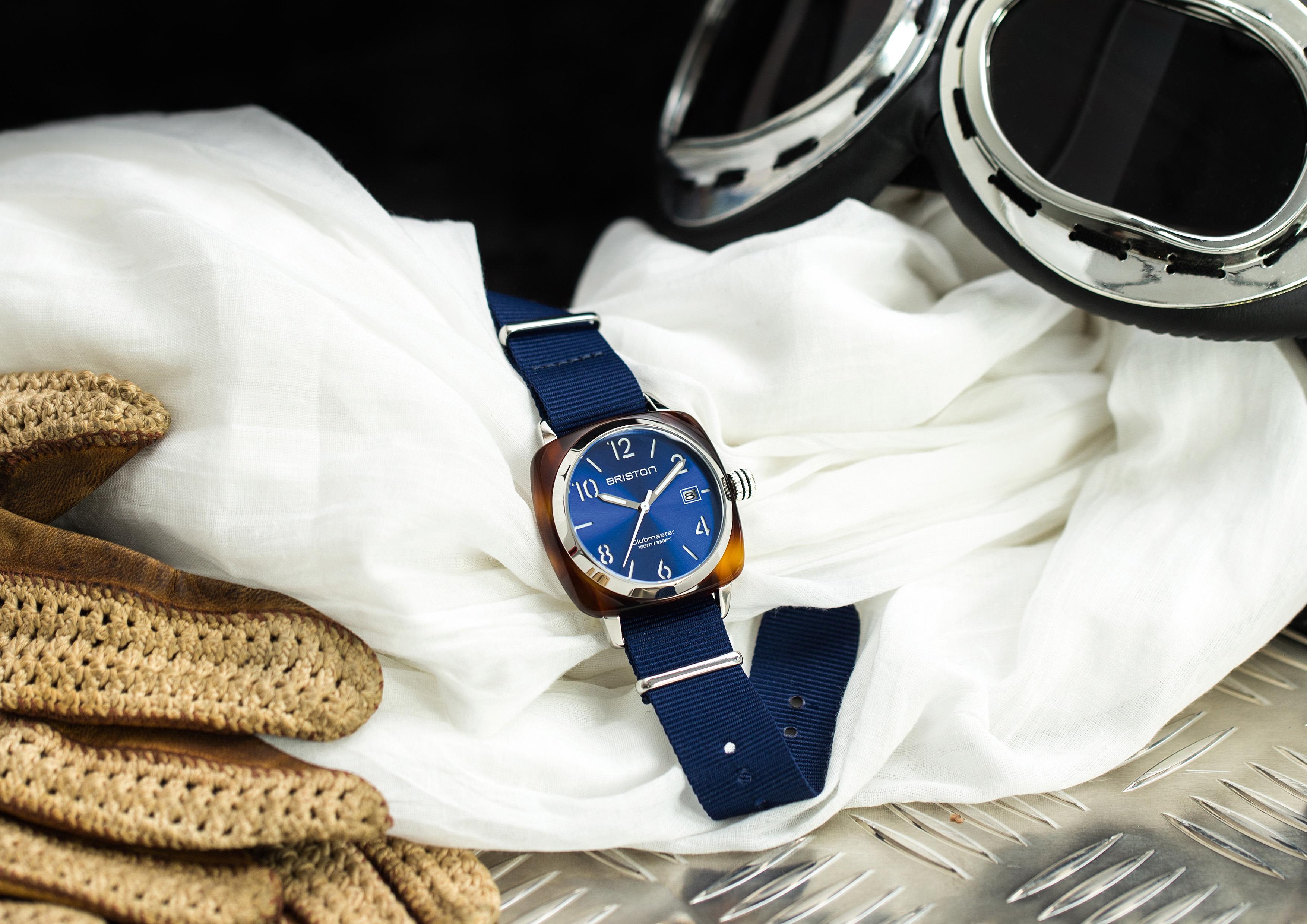 Briston-Photo-univers-clubmaster-classic-ecaille-cadran-bleu-soleille-q