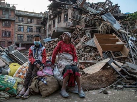 AIUTIAMO IL NEPAL <HELP THE EARTHQUAKE VICTIMS IN NEPAL>
